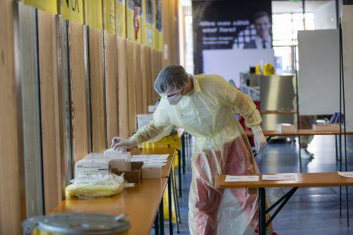 Die Mitarbeitenden in den neuen Teststationen sind gerüstet. Das Angebot wird von der Bevölkerung auch bereits gut angenommen.vn/steurer