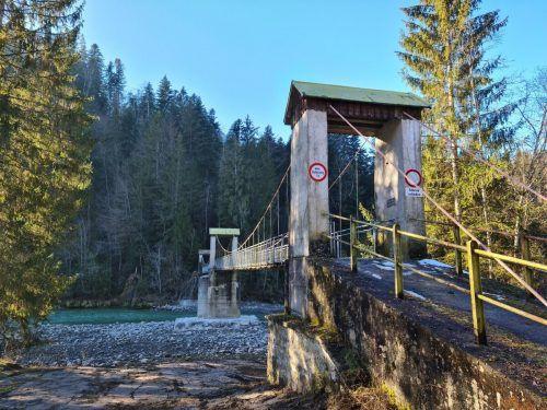Die umfangreichen Sanierungsarbeiten an der Hängebrücke zwischen Doren und Alberschwende stehen vor dem Abschluss.