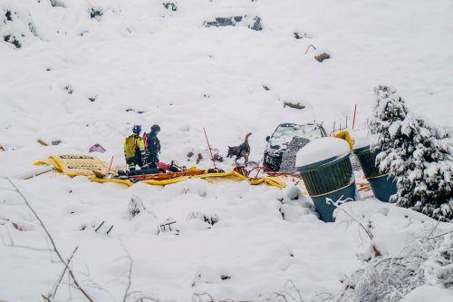 Die Suche nach drei vermissten Opfern gestaltet sich schwierig. Reuters