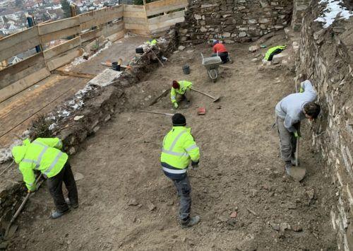 Die von den Arbeitern freigelegten Fundstücke sollen im Rahmen einer Ausstellung präsentiert werden. Mäser
