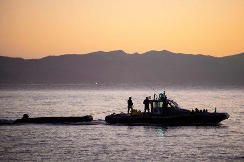 Ein Frontex-Patrouillenboot vor der griechischen Insel Lesbos. AFP