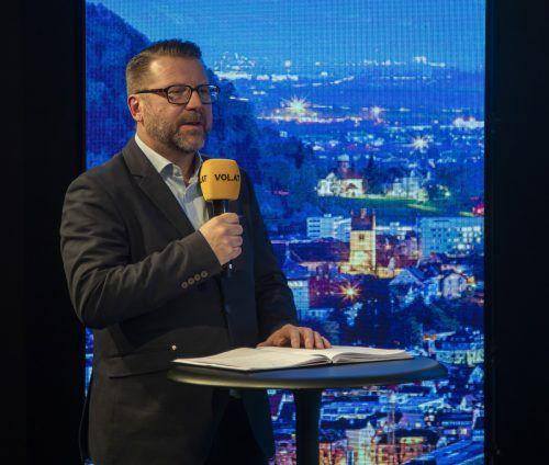 """Elternvertreter Michael Tagger im Studio von """"Vorarlberg live""""."""