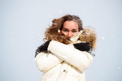 Emily aus Lochau hat sich für die anstehenden Eistage schon warm eingepackt. VN/Sams