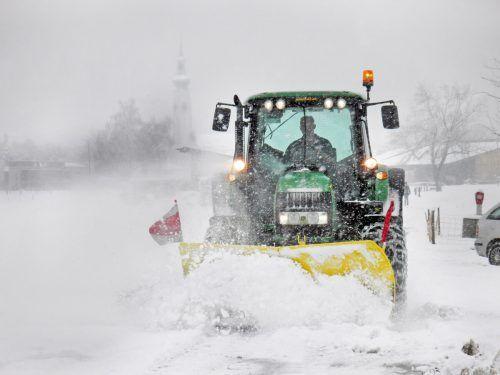 Für den Einsatz im Winterdienst gab es Lob für das Bauhofteam und beteiligte Helfer.