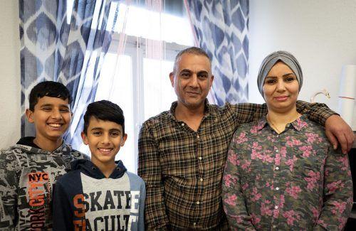 Hussein-Khadim Abob, Namariq Abdulkhaleq Kadhim und ihre Jungs haben sich in Schlins gut eingelebt.Caritas