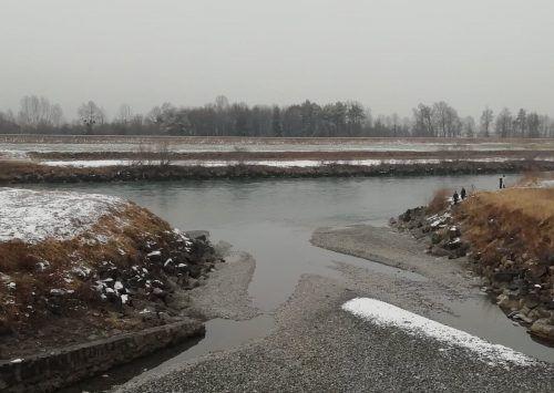 Im Bereich der Rheinmündung werden Ablagerungen abgebaggert. Während der Arbeiten bleibt die rechte Seite des Frutzdamms zwischen L 190 und A 14 gesperrt.MIMa