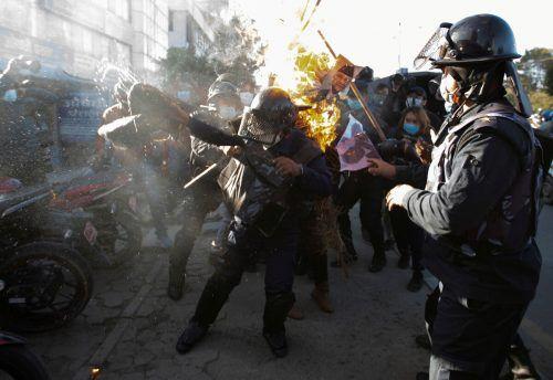 Im nepalesischen Kathmandu dauern die Proteste an: Weiterhin wird gegen die Auflösung des Parlaments demonstriert. REUTERS