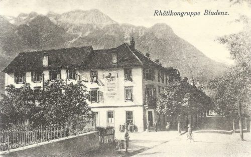 In den ersten Jahren ihres Bestehens präsentierte sich die Bahnhofstraße als prachtvolle Allee.
