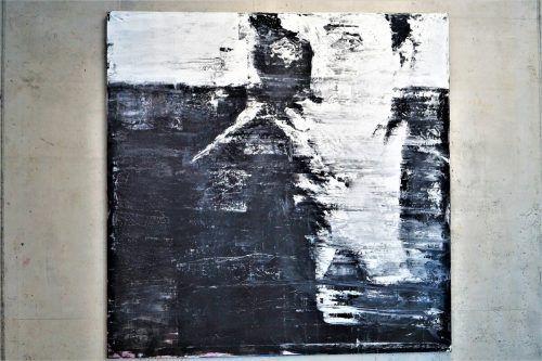 In ihren Arbeiten bewegt sich Plaickner zwischen gegenständlicher und abstrakter Ausdrucksform. Sie will den Schaffensprozess sichtbar machen.