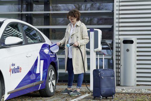 In Vorarlberg sind aktuell 3000 E-Autos unterwegs. VN/Steurer