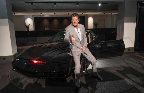 "K.I.T.T., hol mich hier raus! David Hasselhoff mit dem Wunderauto aus der TV-Serie ""Knight Rider"". APA"