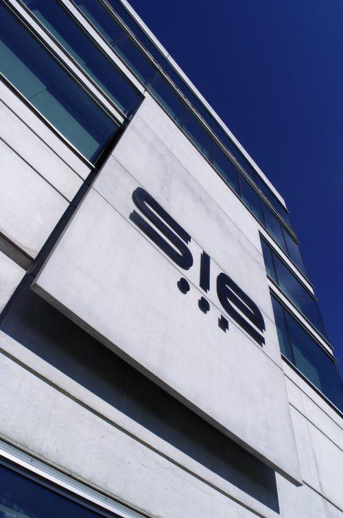Komponentenbroker integriert neues Unternehmen in die Firma. Fa