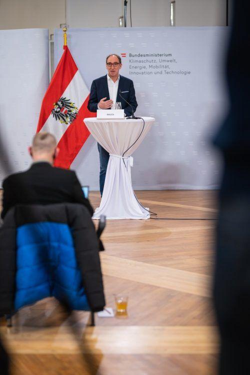 LR Johannes Rauch konnte die Erfahrungen mit dem maximo-Ticket einbringen.vlk