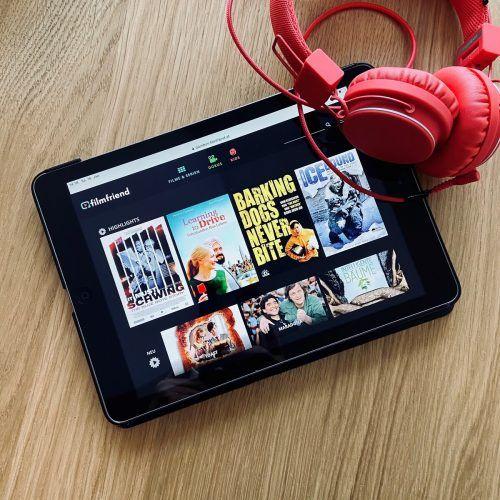 """Mit dem Streaming-Angebot """"filmfriend"""" erweitert die Stadtbibliothek ihr digitales Angebot.Stadtbibliothek"""