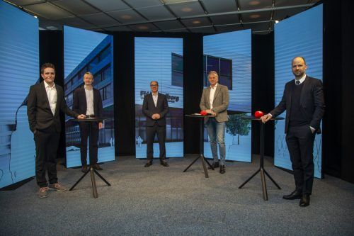 Moderator Georg Burtscher begrüßte im Russmedia-Studio Joachim Heinzl (Wisto), Stefan Fitz-Rankl (FHV), Martin Ohneberg (IV) und Landesrat Marco Tittler. VN/Paulitsch