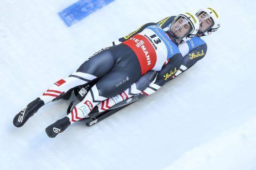 Nach sechs von zwölf Saisonrennen liegen Thomas Steu (Obermann) und Lorenz Koller die Weltcup-Gesamtwertung in Front. FIL