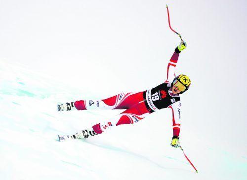 Nina Ortlieb kurz vor ihrem Sturz beim Training auf der Piste Mont Lachaux in Crans-Montana. Die Lecherin konnte einen Sprung nicht stehen, zog sich schwere Knieverletzungen zu.gepa, AP