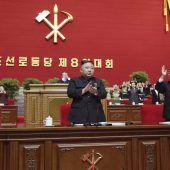 """<p class=""""factbox"""">Nordkoreas Machthaber Kim Jong-un ist zum Generalsekretär der herrschenden Arbeiterpartei gewählt worden. AP</p>"""