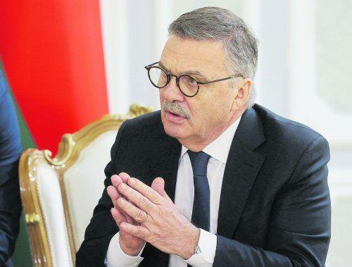 Rene Fasel steht nach dem Besuch in Weißrussland in der Kritik.ap