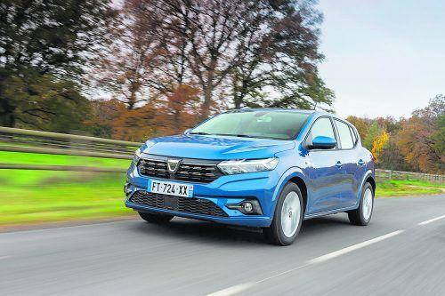 Richtig fesch gemacht hat Dacia den Sandero. Zum günstigen Preis kommen neue Praxisfeatures und komfortable Aussstattungsdetails. Werk