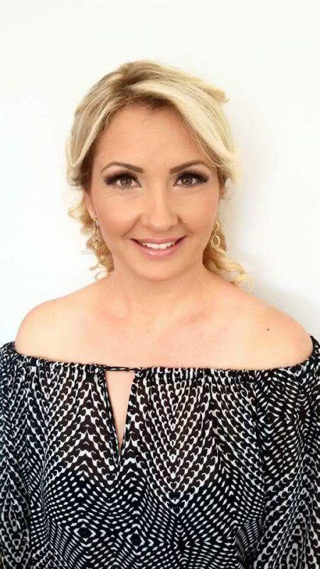 """Sanja Antonijevic ist eine von 26 """"Frau Holles"""" in Vorarlberg. Frau Holle"""