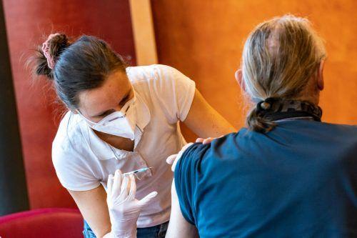 Seit 12. Jänner wird in den Feldkircher Pflegeheimen gegen das Coronavirus geimpft. Die Beteiligung an der Impfaktion war erfreulich hoch.VN/Stiplovsek