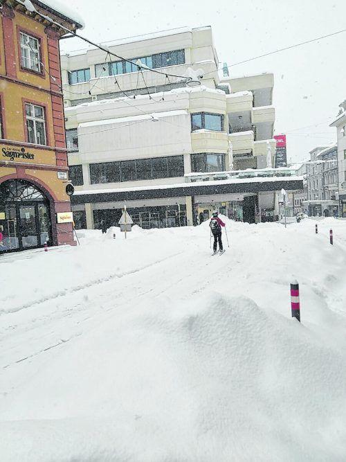 Skifahren mitten in Bregenz.