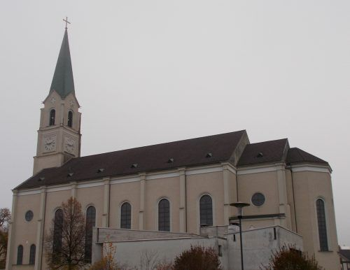 St. Leopold ist nach dem Hauptpatron der Habsburger benannt. So wollte man verhindern, dass die Kirche abgerissen werden muss.bet