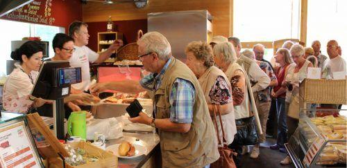 Veränderungen stehen in der Warther Sennerei an – Käseproduktion wird reduziert, Imbiss und Verkauf werden räumlich klar getrennt. stp/2