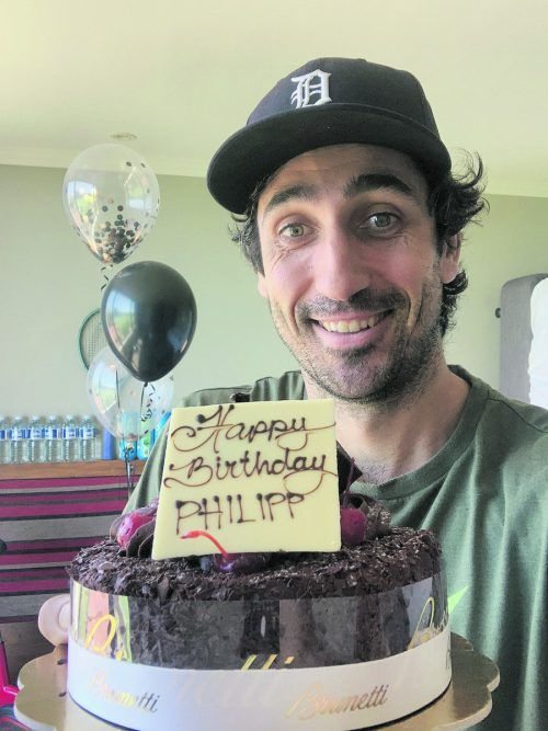 Von der Hoteldirektion gab es zum 35. Geburtstag eine Torte und einige Luftballons.Privat
