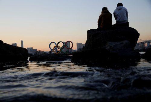 Wegen gestiegener Coronavirus-Fälle hat Japan den Notstand ausgeweitet - wenige Monate vor den Olympischen Spielen in Tokio. reuters