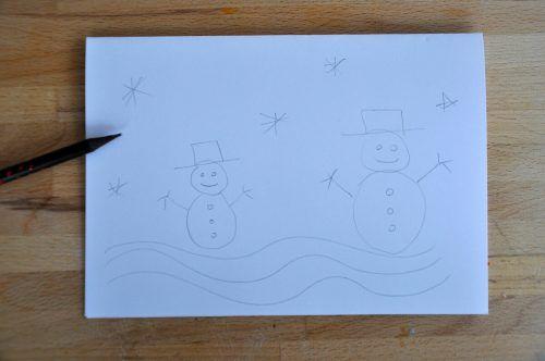 Zeichnet zuerst eine Skizze auf einem Blatt Papier vor.