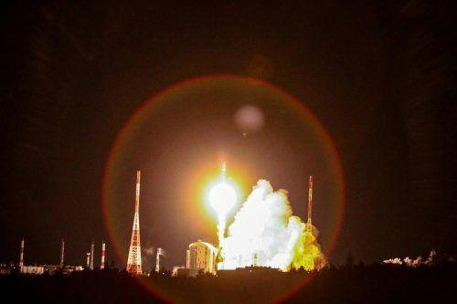 Als erster Abbauort bietet sich wohl der Mond an. Er ist immerhin nur rund 400.000 Kilometer entfernt.Reuters