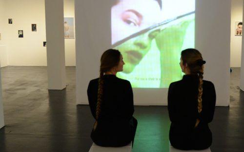 Anna Maria Ritsch im Flatz Museum.
