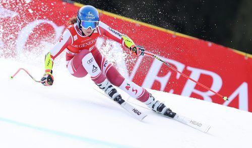 Beherzte Fahrt von Christine Scheyer im ersten Super-G in Garmisch-Partenkirchen. Heute gibt es die zweite Gelegenheit, nachdem Nebel im unteren Teil der Piste ein Rennen verhindert hatte.gepa