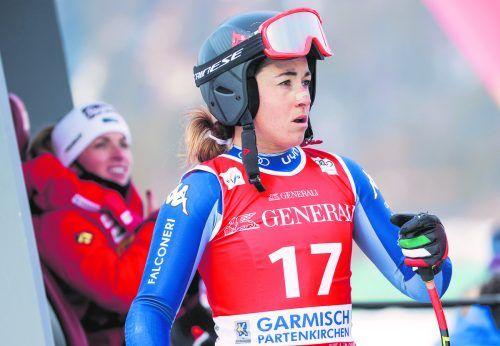 Bei der Fahrt ins Tal nach der Absage des Super-G verletzt: Sofia Goggia.gepa
