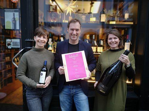 Das Bengodi-Team freut sich über die Top-Platzierung: Dieter Schönenberger-Wohlgenannt mit den Mitarbeiterinnen Corinna Fehr und Stefanie Lins.