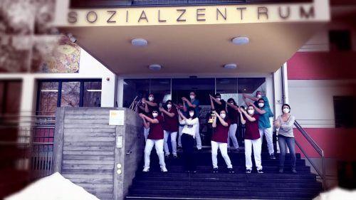 """Das """"Jerusalema""""-Fieber hat auch das Sozialzentrum Frastanz gepackt. Screenshot"""
