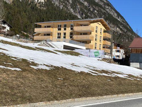 Das neue Wohnbauprojekt am Ortseingang von Brand kann demnächst an seine Bewohner übergeben werden.VN/JS
