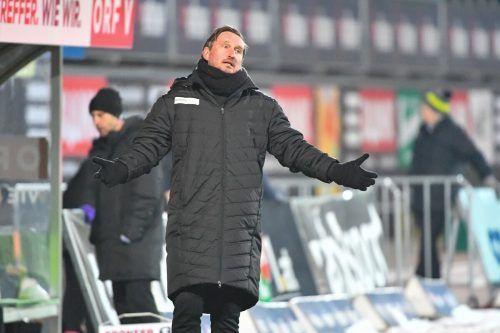 Das Warten hat ein Ende: Austria Lustenau und Trainer Alexander Kiene starten heute beim FC Liefering in die 2. Liga.gepa