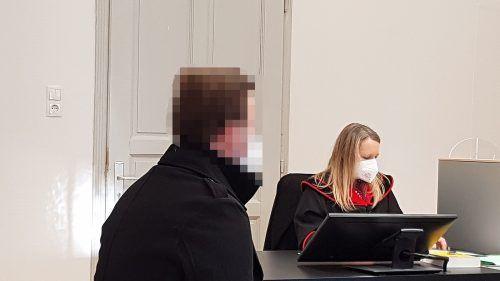 Der Angeklagte versprach, die 800 Euro zu zahlen, somit bleibt ihm eine Vorstrafe erspart. ECKERT