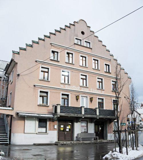 """Der Gasthof """"Löwen"""" soll zumindest im Erdgeschoss wieder von der Öffentlichkeit genutzt werden. AJK"""
