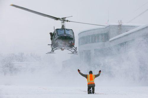 Der Hubschrauber ist gelandet: Die vorübergehende Stationierung in Vorarlberg ist im Rahmen einer Assistenzanforderung durch das Land erfolgt. BUndesheer