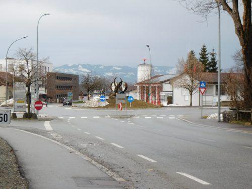 Der Kreisverkehr an der Treietstraße entpuppte sich als Problemstelle. Hier soll Abhilfe geschaffen werden.Mäser