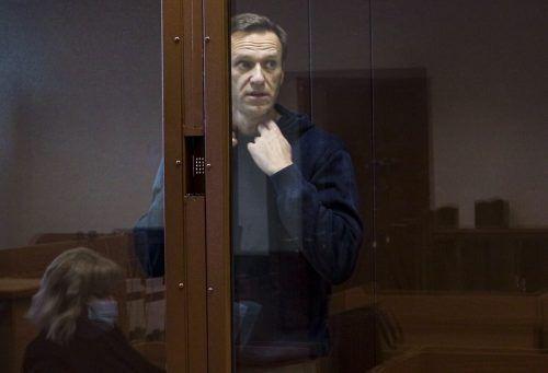 Der Kremlkritiker ist wegen übler Nachrede angeklagt. Er beruft sich auf das Recht auf freie Meinungsäußerung. AP