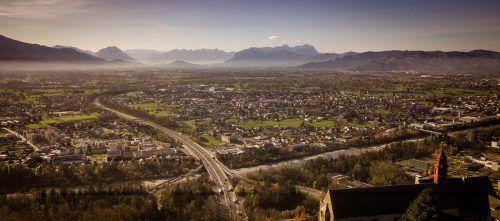 Das Rheintal wächst zum städtischen Siedlungsraum zusammen. Studienauftraggeber FG-Obmann Günther Ammann. FA/VN/PS