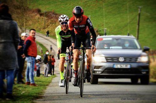 """Die beiden Franzosen Alexis Guerin vom Team Vorarlberg (links) und Stefan Bennett machten bei der """"Ronde du Pays du Basque"""" den Sieg untereinander aus.Zoé Soullard"""