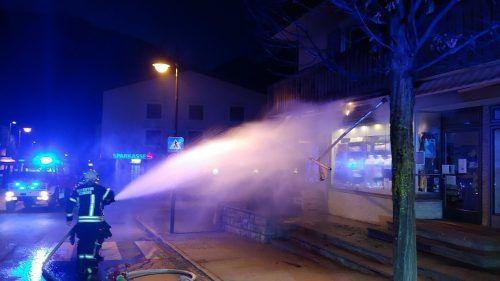 Die Feuerwehr Schruns beteiligte sich mit 40 Mann an den Löscharbeiten. FW SCHRUNS