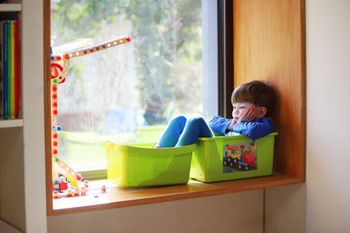 Die Gesellschaft befindet sich in einer Corona-Ausnahmesituation. Besonders der Alltag der Kinder hat sich in den letzten Monaten stark verändert.Adobe