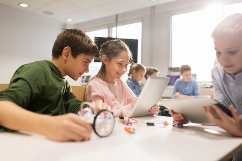 Die Initiative Technik kinderleicht soll den Forschungsdrang fördern. Shutterstock